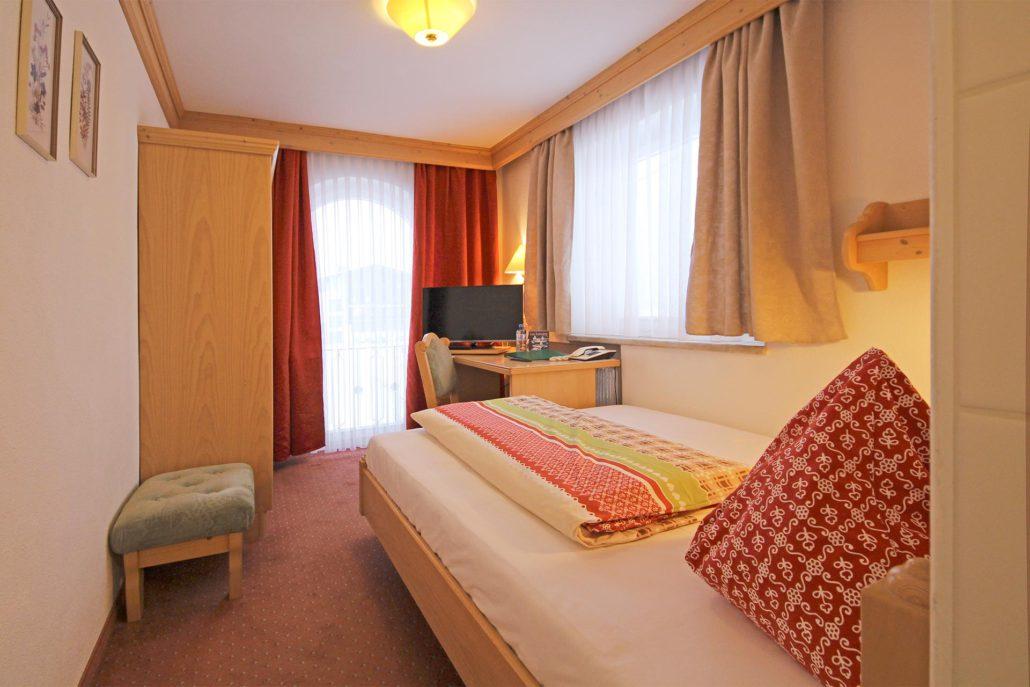 Einzelzimmer im Hotel Lärchenhof in Lech am Arlberg