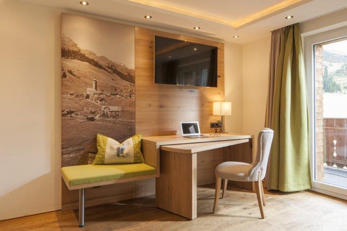 Doppelzimmer Omesberg im Hotel Lärchenhof in Lech am Arlberg